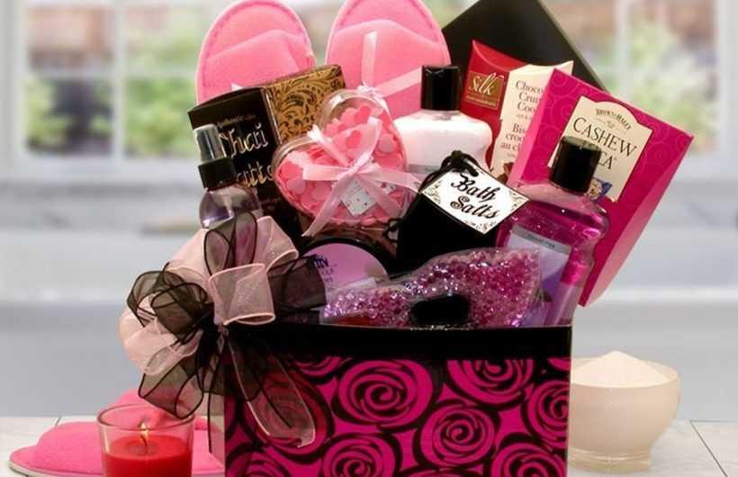 Подарок девушке — 170 фото и видео описание вариантов выбора и применения подарков